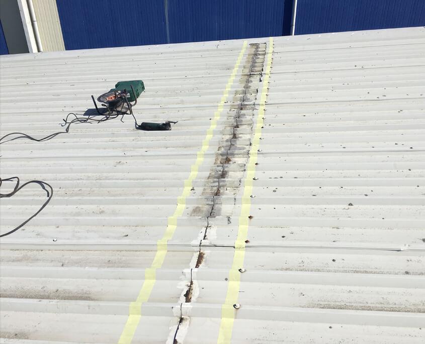 Waterproofing roofseams